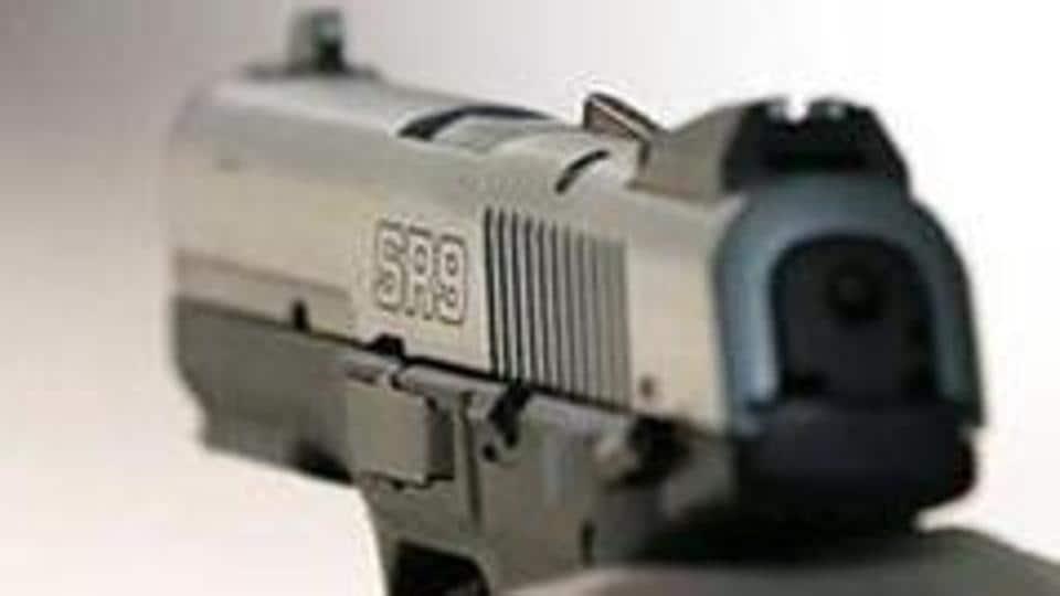 Unknown assailants killed a woman in Patparganj.