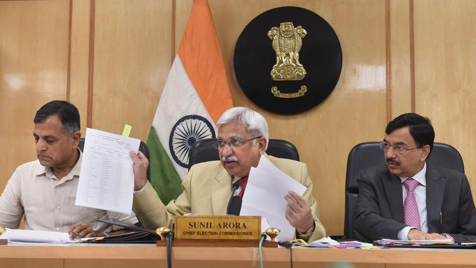 Chief Election Commissioner Sunil Arora flanked by Election Commissioners Ashok Lavasa (L) and Sunil Chandra during a press conference regarding Maharashtra and Haryana Assembly Elections, at Election Commission, in New Delhi. (Shahbaz Khan / PTI)