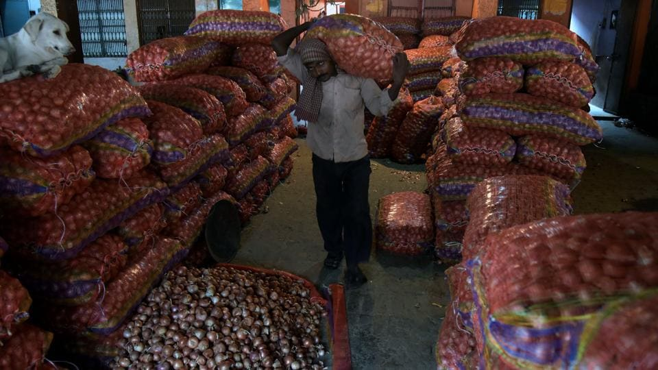 Rs 8 lakh worth of onions were stolen from a godown in Patna.