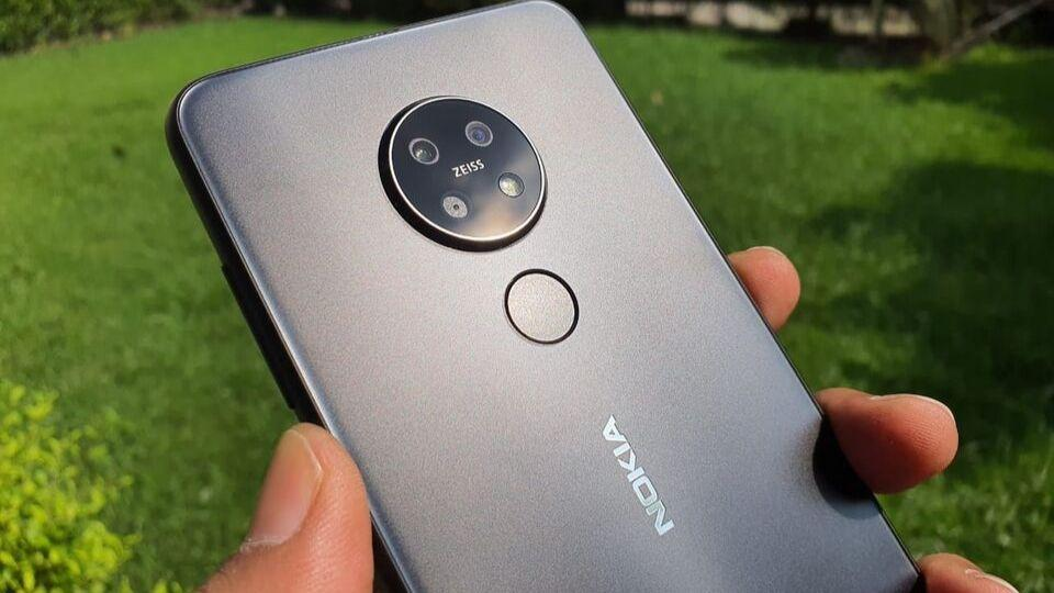 Nokia 7.2 is priced at Rs 18,599 in India.