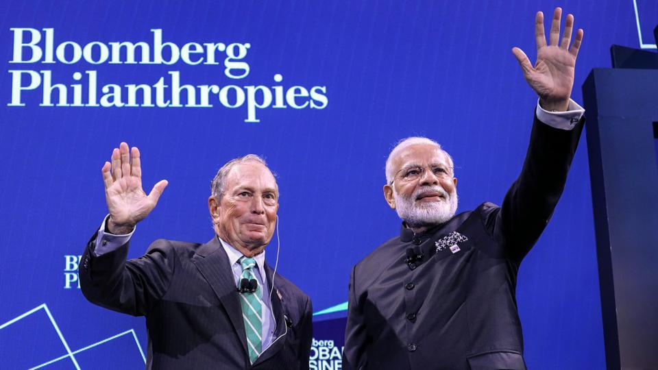 Prime Minister Narendra Modi with CEO of Bloomberg Michael Bloomberg (L) at Global Business Forum in New York, Sept. 25, 2019.