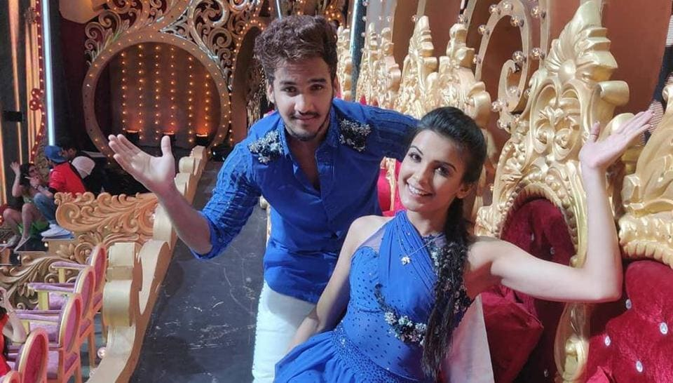 Evicted Nach Baliye contestants Faisal Khan and Muskaan Kataria have broken up.