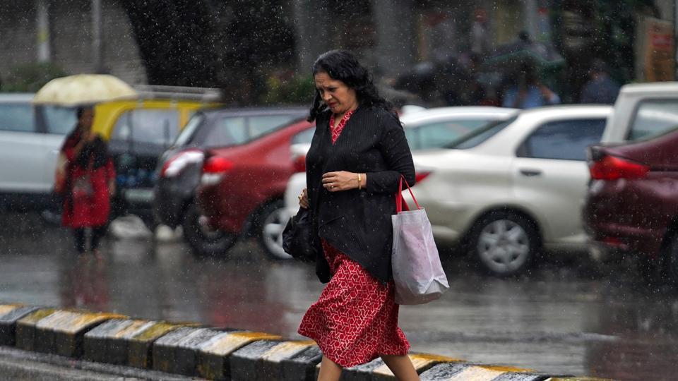 Mumbai witnessed sporadic spells of intense rain between the night of September 24 and the morning of September 24.