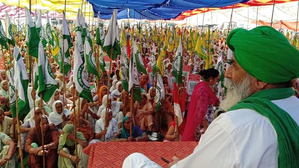 The farmers were sitting on a protest at Mehmadpur village grain market in Patiala district on Thursday. They ended the stir after a meeting with principal secretary to CM Captain Amarinder Singh.