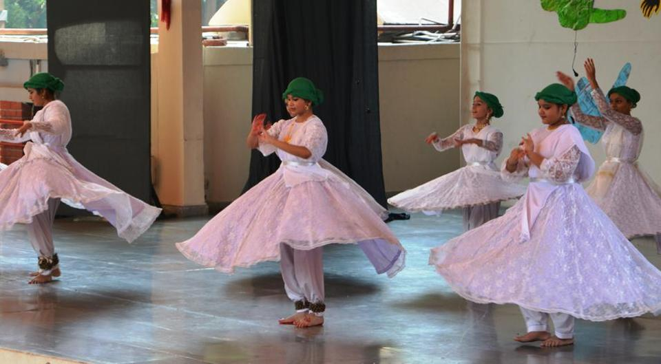 The performances of students enthralled the audience