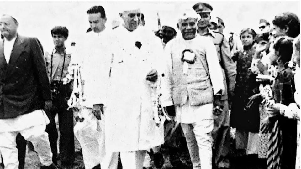 Tulsi Mehar Shrestha with Jawaharlal Nehru, Nepal.