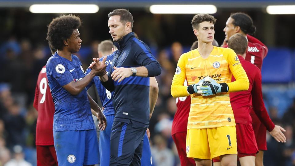 Chelsea's head coach Frank Lampard and Willian at the Stamford Bridge.