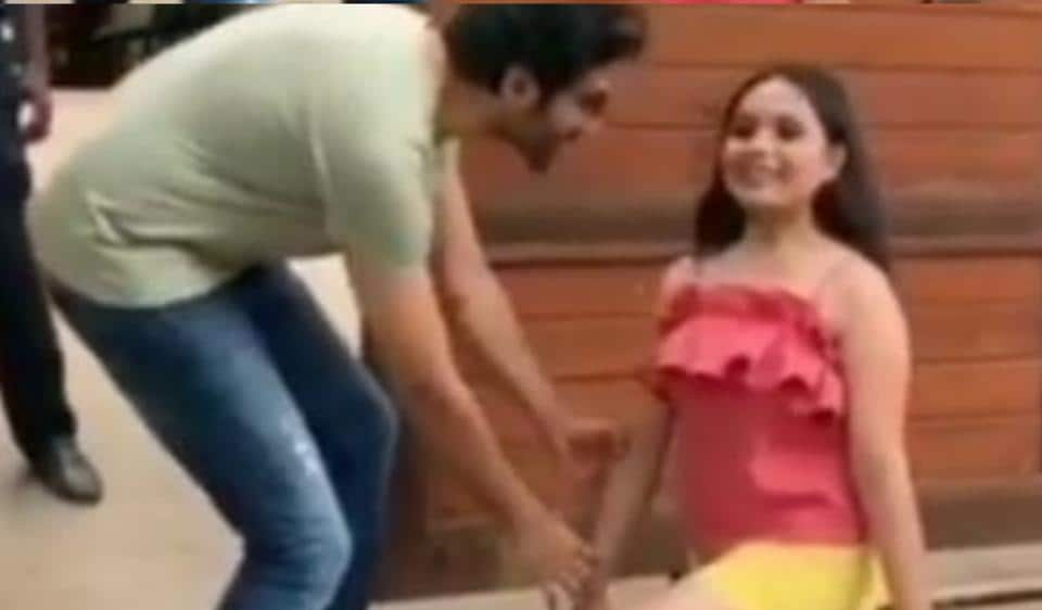 Kartik Aaryan's fan goes down on her knees.