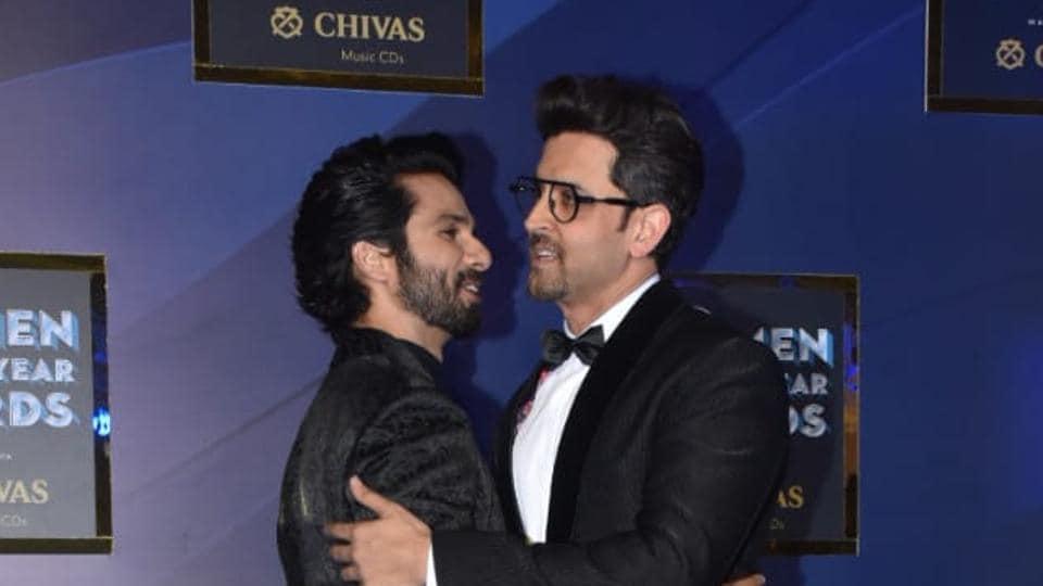 Shahid Kapoor and Hrithik Roshan hug as they meet at GQ Awards 2019.