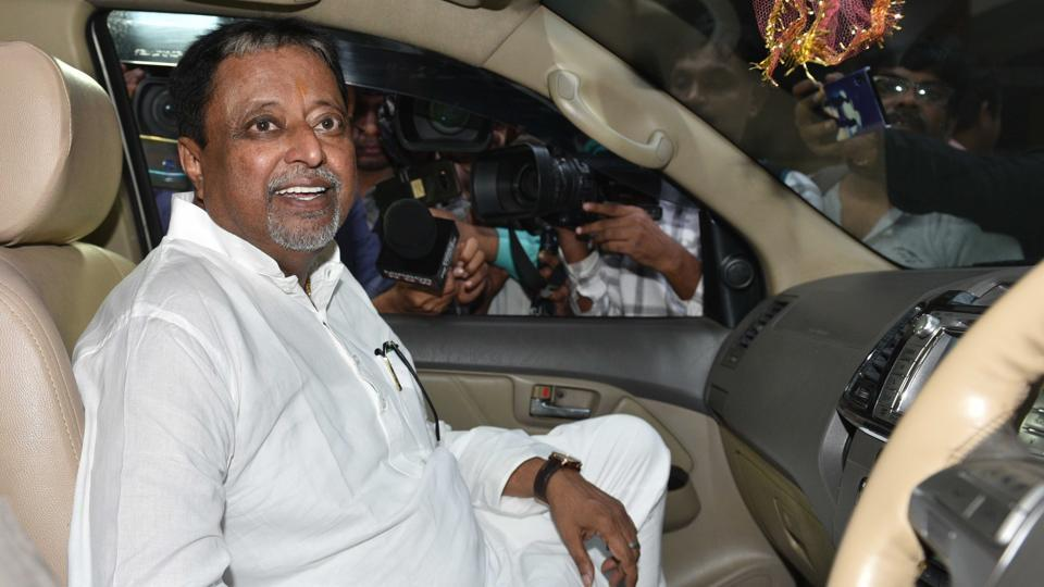 CBI took IPS officer SMH Mirza to Mukul Roy's house for interrogation.