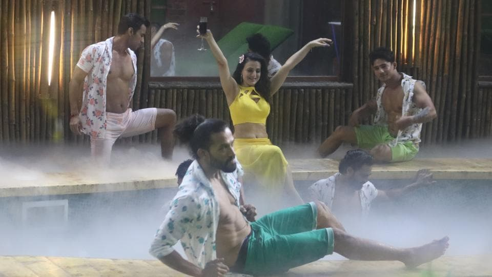 Bigg Boss 13: Ameesha Patel makes a grand entry as the Maalkin of the house.