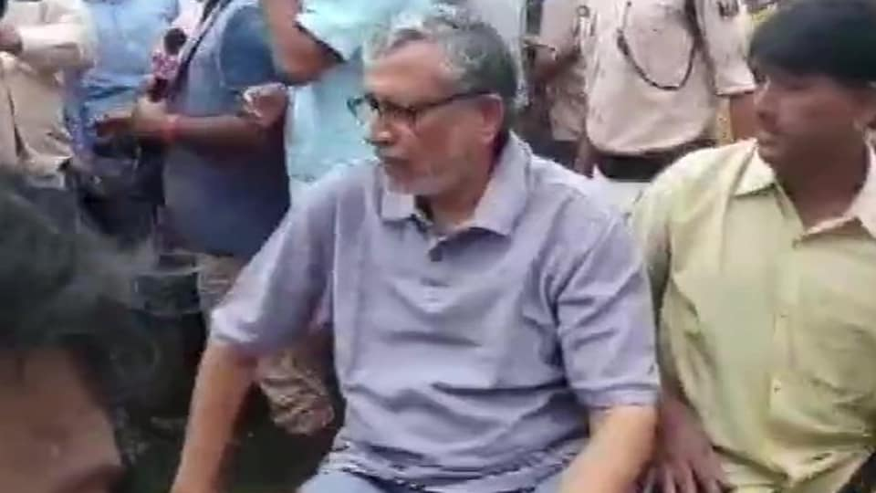 Bihar Deputy Chief Minister Sushil Kumar Modi being rescued by SDRF team