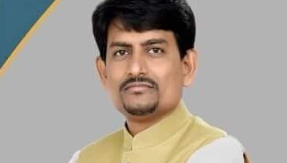 The BJP on Sunday fielded former Congress MLA Alpesh Thakor in the by-election to Radhanpur assembly segment of Gujarat.