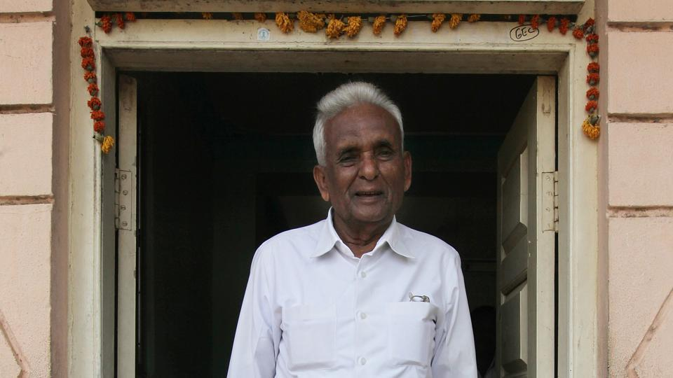 Ganpatrao Deshmukh was a member of the Maharashtra legislative assembly for 11 terms or 59 years from Sangole in Solapur district in Maharashtra.