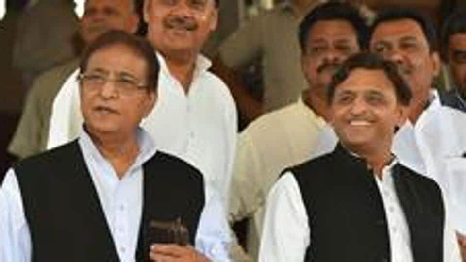 Samajwadi Party leader Azam Khan (left) with party president Akhilesh Yadav. The party has announced the candidature of Azam Khan's wife for bypolls to Rampur assembly seat.