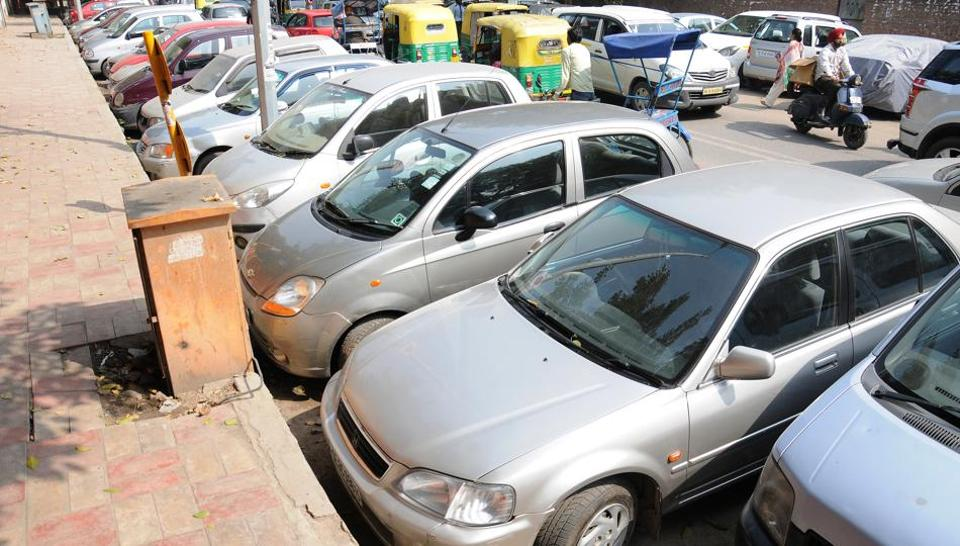 Under the new rules, on-street parking fee for the first hour will be at least twice as much as off-street parking.