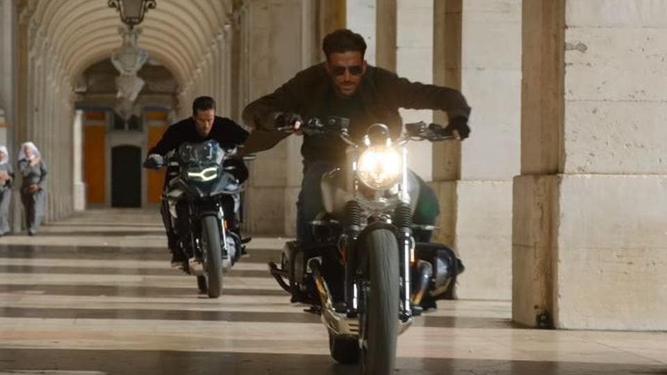 War box office prediction: Hrithik Roshan and Tiger Shroff's action drama is expected to earn Rs 45 crore on opening day.