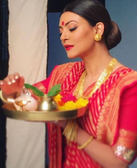 Durga Puja 2019: Sushmita Sen looks gorgeous in this traditional get up.