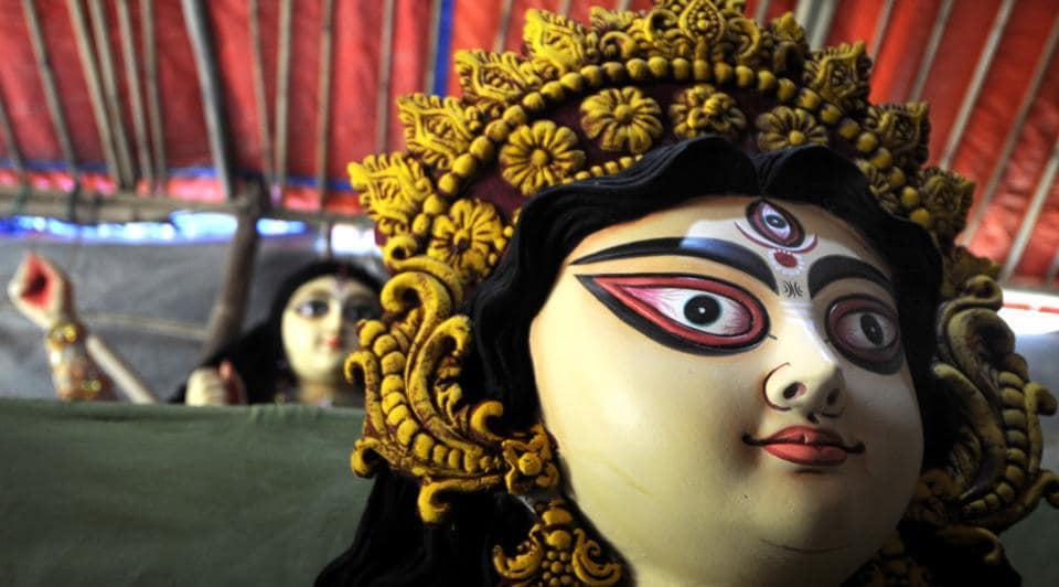 Noida, India - October 01, 2019: People have started installing Durga idols in pandals in different sectors ahead of Durga puja celebrations starting from October 4, in Noida, India, on Tuesday, October 01, 2019.  (sunil Ghosh / Hindustan Times)