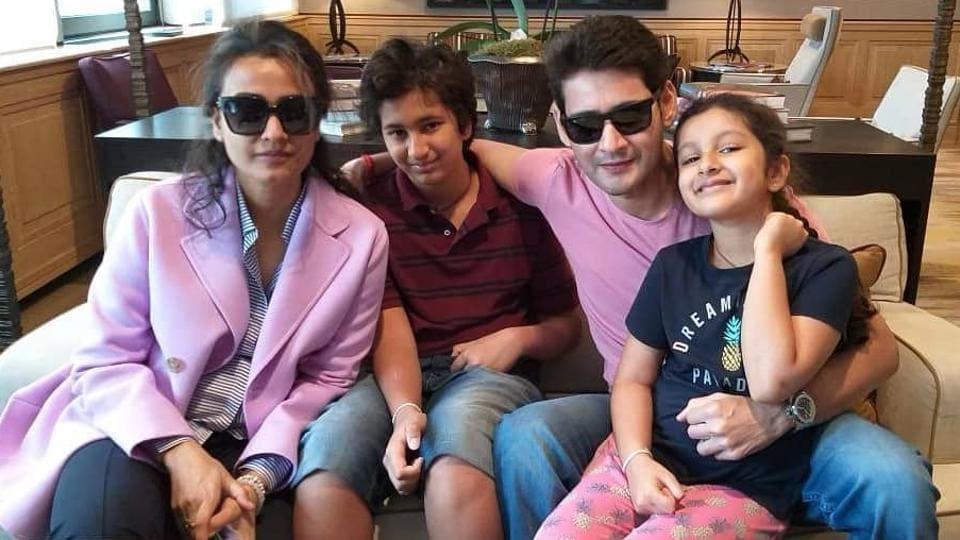 Mahesh Babu with wife Namrata Shirodkar and kids Gautham and Sitara.