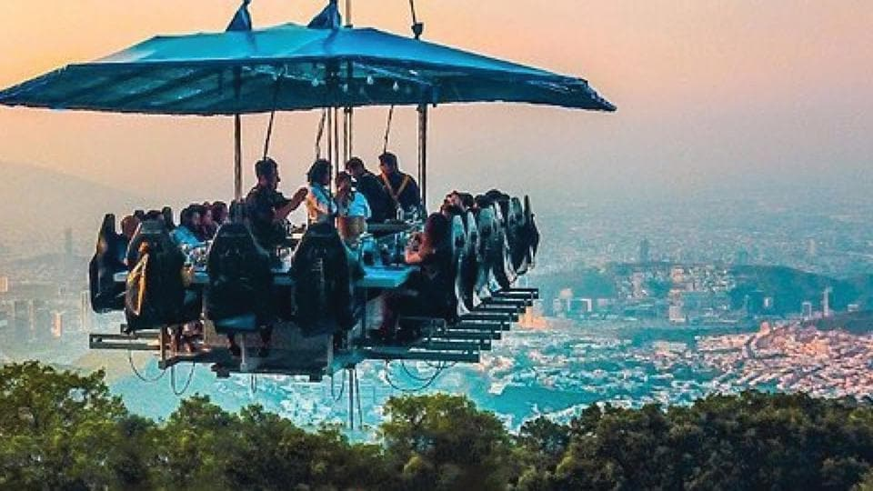 Fly Dining at Noida sector 38 A has become a perfect place for adventure lovers where they can enjoy their food in a unique way and place -160 feet up in the air.