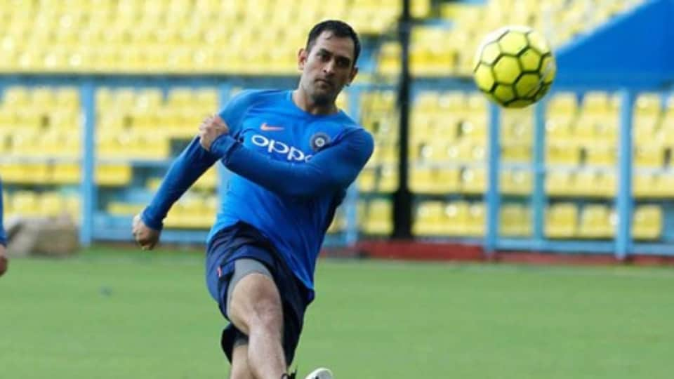MS Dhoni enjoys game of football with Bollywood actor Arjun Kapoor ...