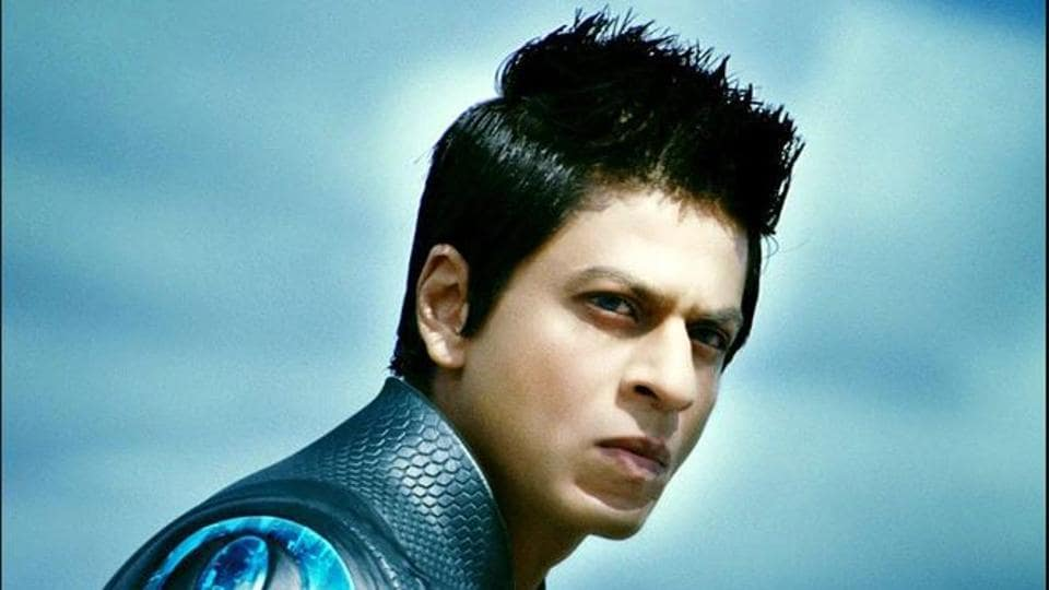 Shah Rukh Khan told by fan to burn Ra.One CDs on Dusshera, actor says, 'Kitna jale pe namak chidkoge'