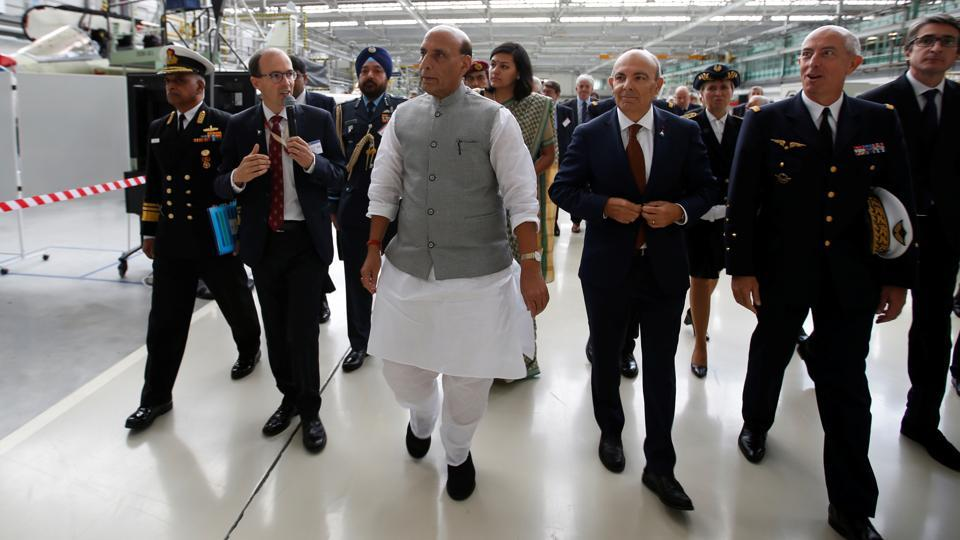 India's Defence Minister Rajnath Singh and Dassault Aviation Chairman and CEO Eric Trappier visit the assembly line for Indian Air Force Rafale fighter jets before a ceremony at the factory of French aircraft manufacturer Dassault Aviation in Merignac near Bordeaux, France. (Photo: reuters)