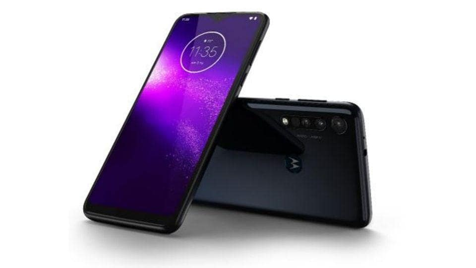 Motorola One Macro Unboxing and First Look - Price in India, Key Features