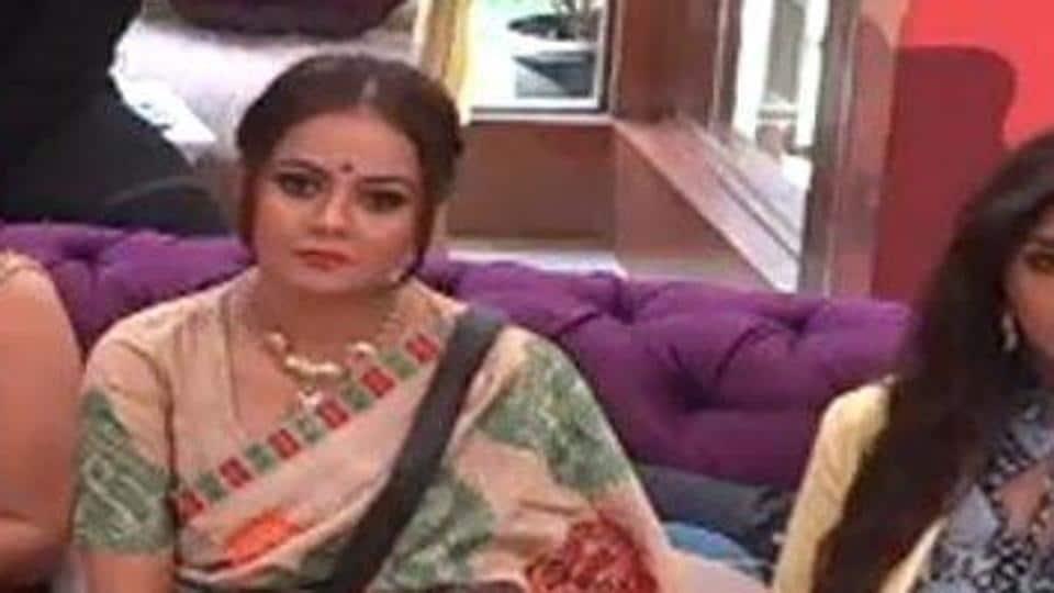 Devoleena Bhattacharjee is the first queen of Bigg Boss 13 house.