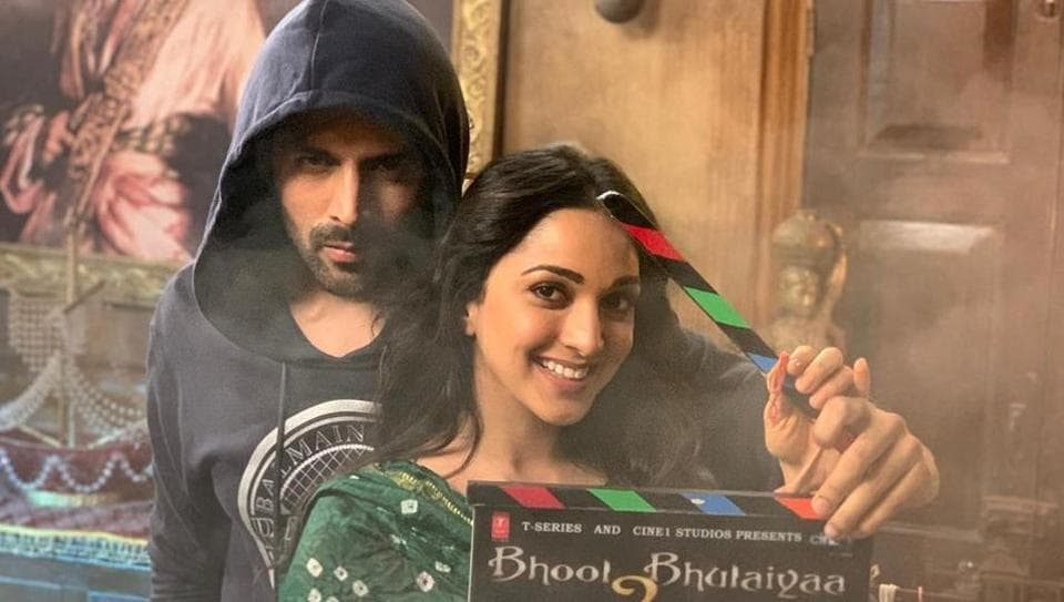 Kartik Aaryan and Kiara Advani on sets of Bhool Bhulaiyaa 2.