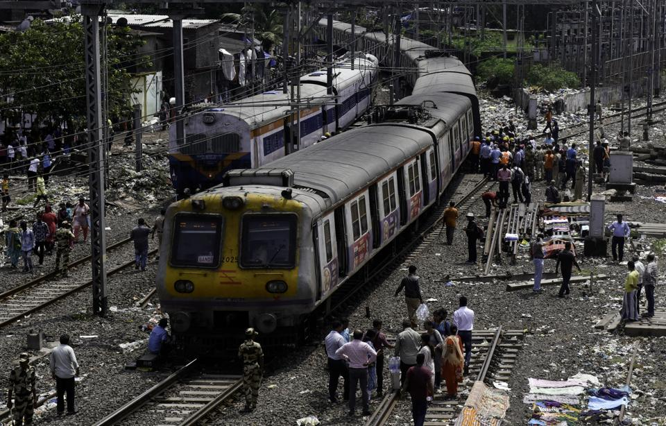 The train services on harbour line of Central Railway were disrupted for half an hour on Wednesday morning.