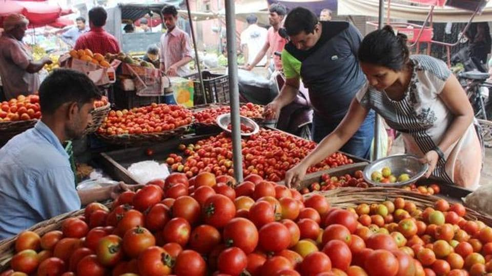 The wholesale price of tomatoes, a kitchen staple, rose 26% on October 9 from a month ago. During this period, the average price increased from Rs 2,641 a quintal (of 100 kg each) to Rs 3,347 a quintal.