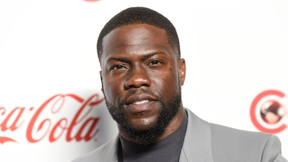 Kevin Hart poses for photos at the Big Screen Achievement Awards at Caesars Palace in Las Vegas.