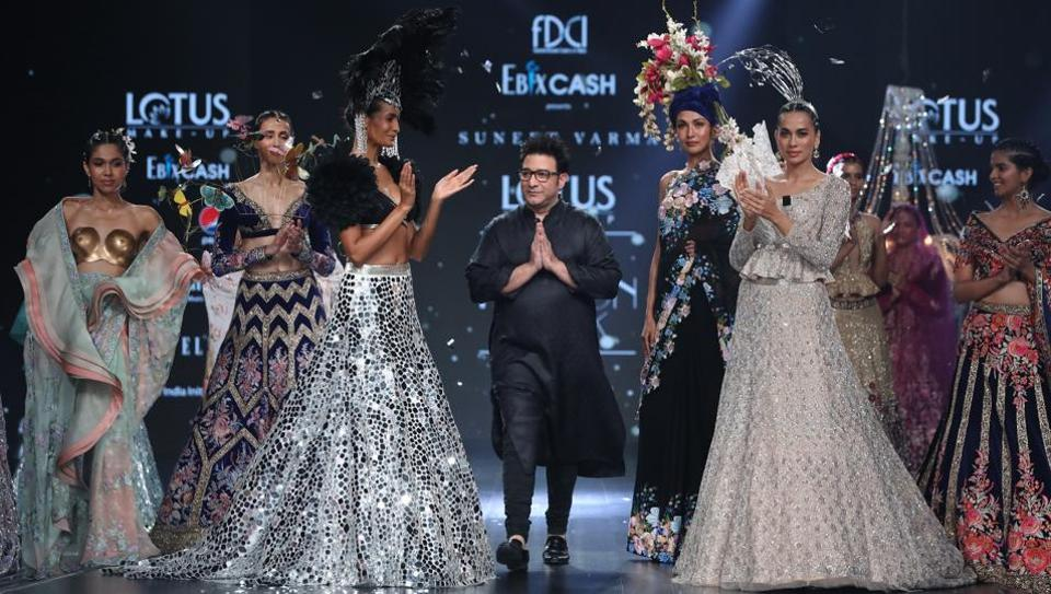Designer Payal Jain, in her latest collection, paid an ode to her father, while ace designer Suneet Varma closed day three of Lotus Make-up India Fashion Week SS'20.