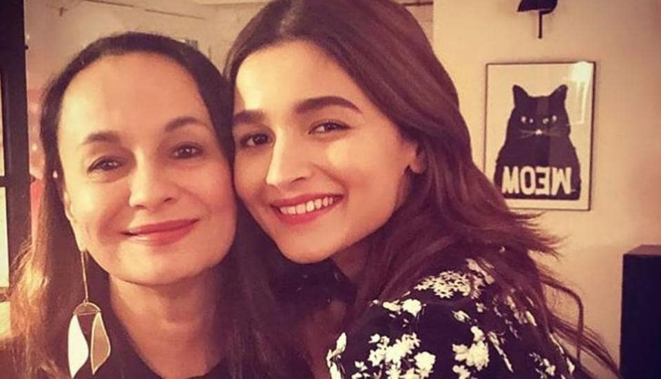 Alia Bhatt has shared her mother Soni Razdan's sweet message for her with fans.