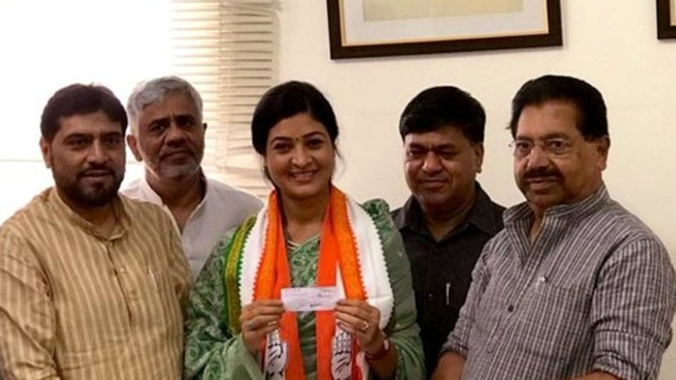 Alka Lamba at Congress office with other party leaders in Delhi on Oct 12, 2019.  (Photo  @LambaAlka)