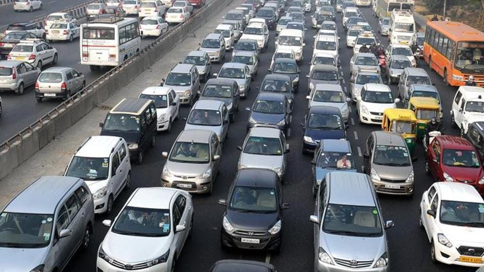 Delhi tranport minister Kailash Gahlot said that the government can only issue advisories, the extension of the staggered office timings will depend solely on how private firms warm up to it