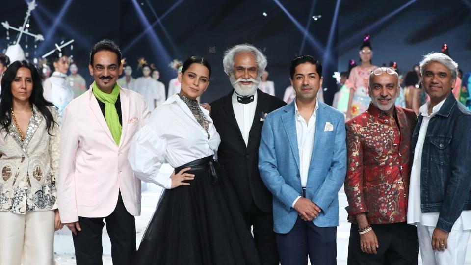 Anamika Khanna, Wendell Rodricks, Kangana Ranaut, Sunil Sethi, Nitin Passi, Manoviraj Khosla and Rajesh Pratap Singh.