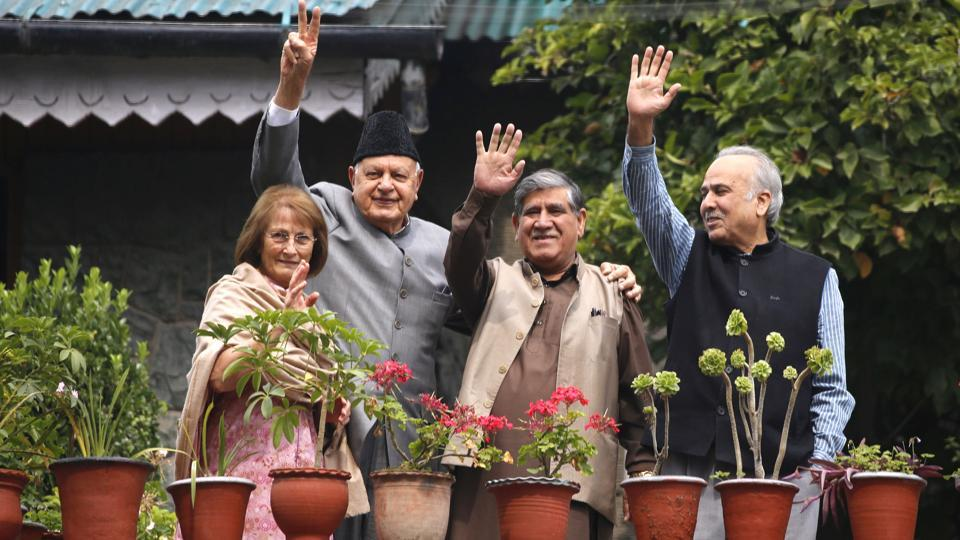 Member of Parliament and president of Jammu and Kashmir National Conference (NC) Farooq Abdullah with a delegation at his residence-cum temporary detention centre, in Srinagar, Jammu and Kashmir. (Waseem Andrabi / HT Photo)
