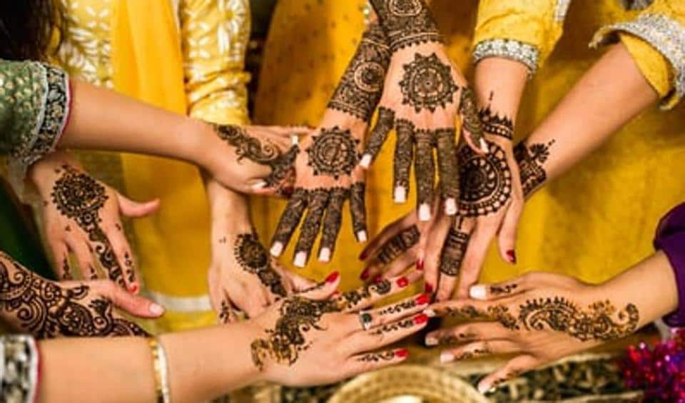 This karwachauth donning these mehendi designs will help you stand out.