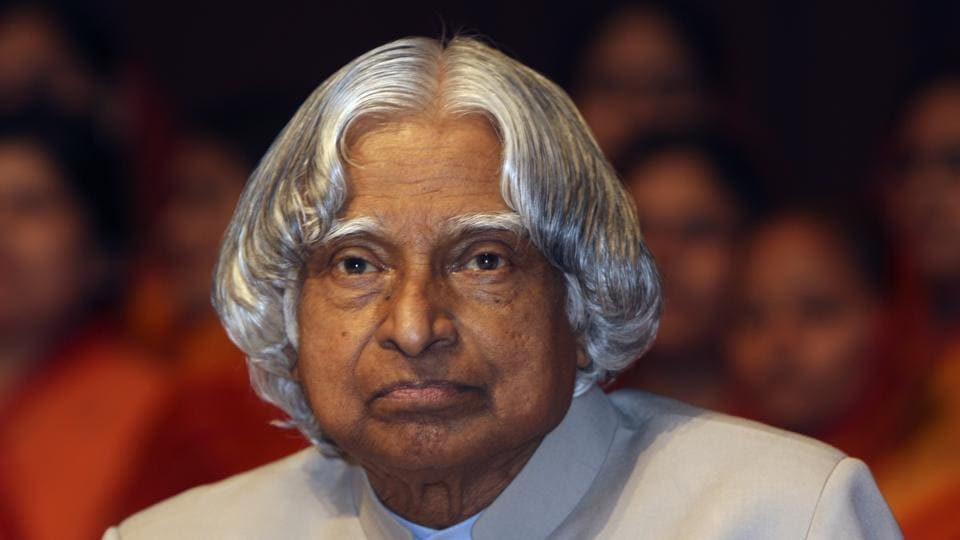 Prime Minister Narendra Modi on Monday paid his tributes to the former president of India APJ Abdul Kalam on his 88th birth anniversary. HT Photo by Sunil Saxena JUNE2010