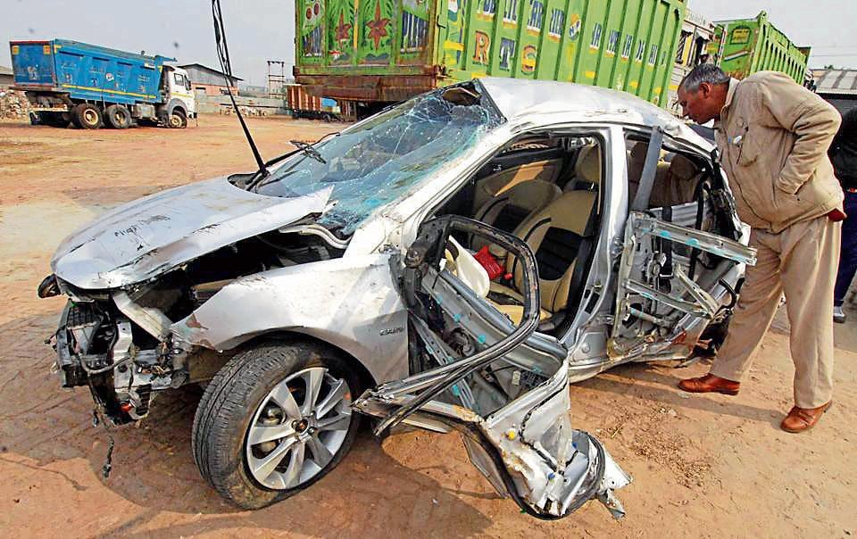 Good Samaritans who rush to the aid of road accident victims may no longer be just unsung heroes.