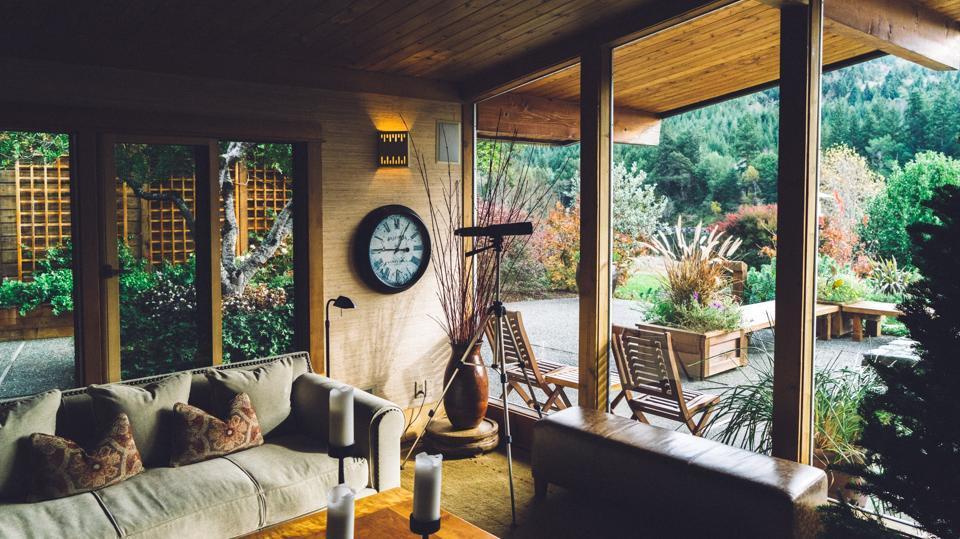 Biophilic decor: Ways to bring the feel of nature indoors.