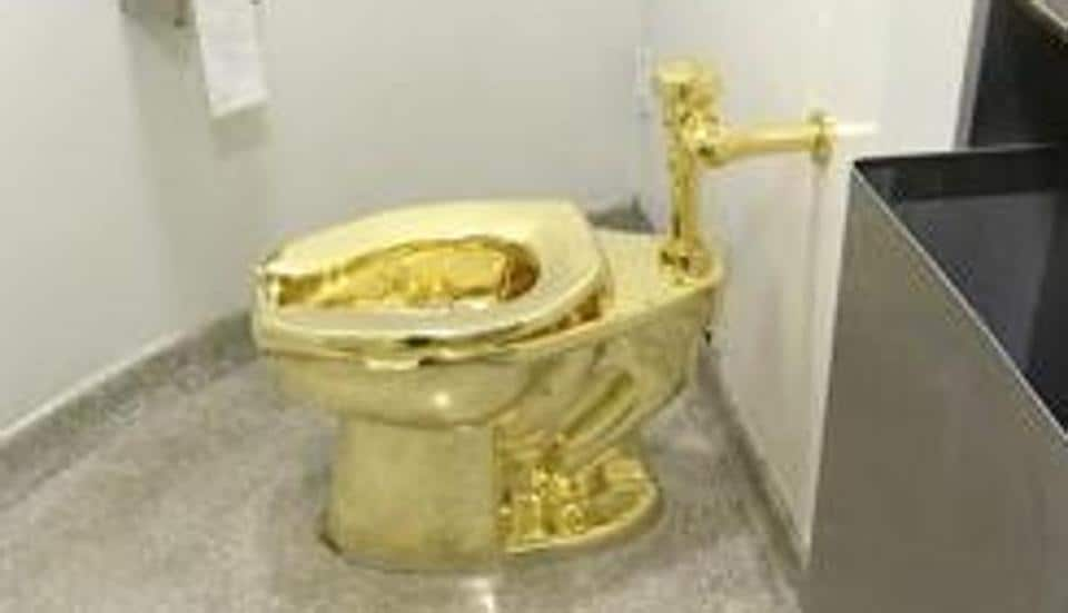 Uk Police Try To Track Gold Toilet America 5 Held On