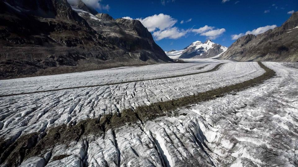 """Measurements on 20 Swiss glaciers have shown that melt rates this year have reached """"record levels"""", according to the annual study on the state of the glaciers."""