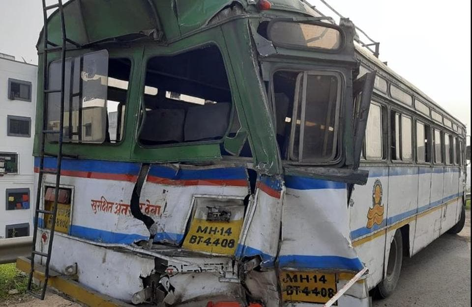 A truck rammed into a stationary state transport (ST) bus in Sutarwadi, Pashan on Tuesday morning killing the bus driver and conductor.