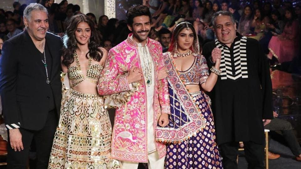 The trio looked exquisite in the beautiful hand-embroidered outfits, that walked the thin line between modern and traditional Indian bridal wear, as they walked the ramp in Abu-Sandeep's timeless designs.