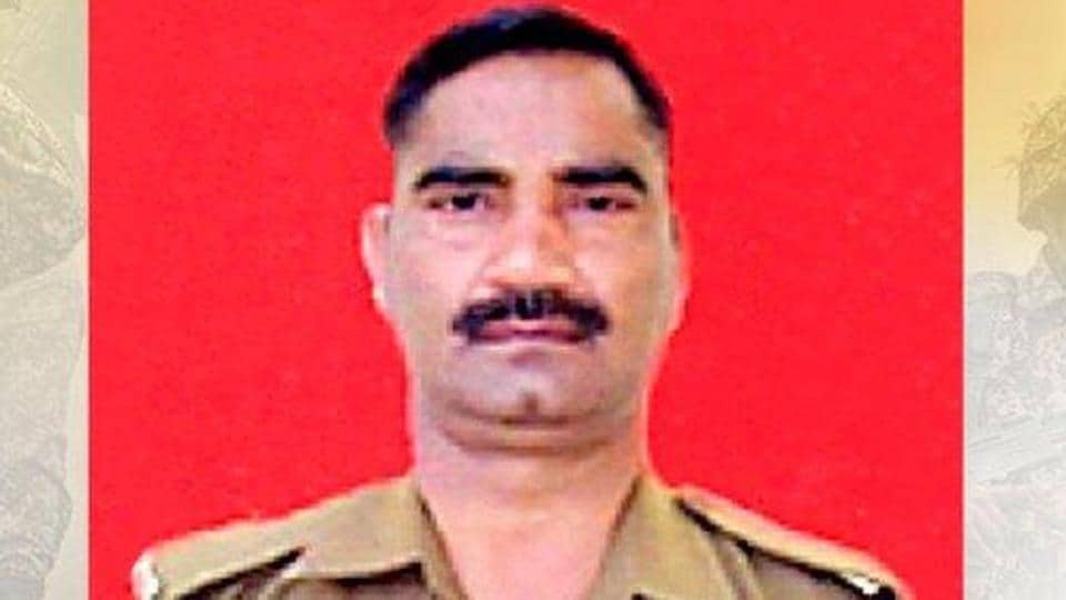 Head Constable Vijay Bhan Singh received bullet injuries on his head.
