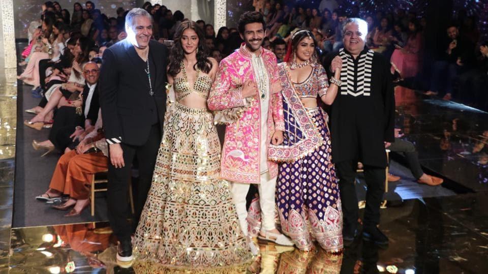 Pati, Patni Aur Woh stars Kartik Aaryan, Bhumi Pednekar, Ananya Panday walk for Abu-Sandeep's ASAL collection.